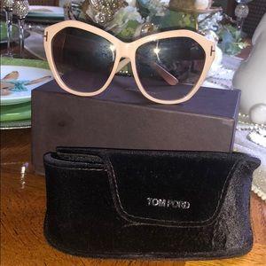 TOM FORD ANGELINA IVORY SUNGLASSES/ TF 317
